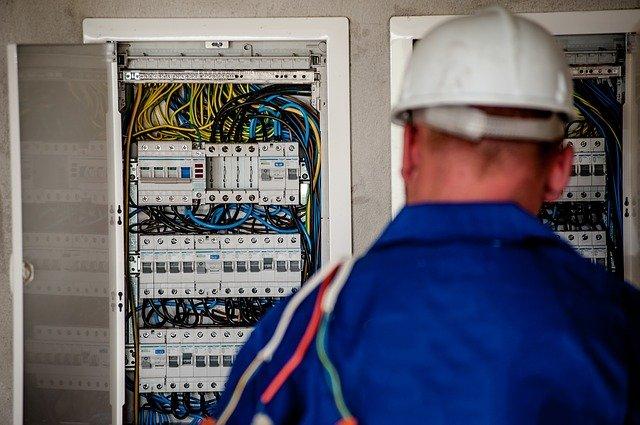 Můžeme se na ceník revizí elektro instalace, který je uveřejněn na internetu, spolehnout?