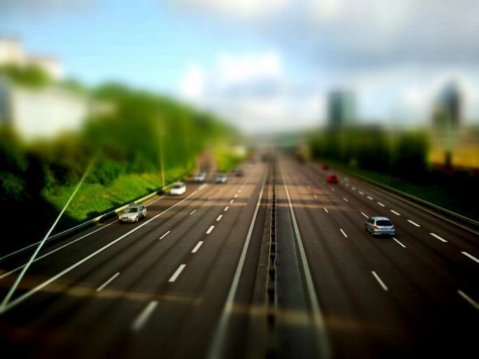 vozidla na dálnici