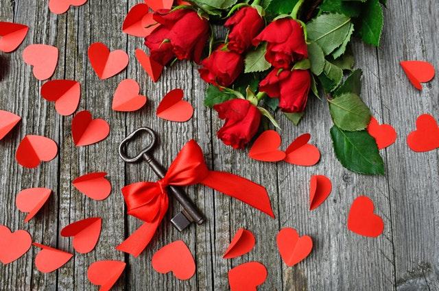 klíč, růže, červená srdce